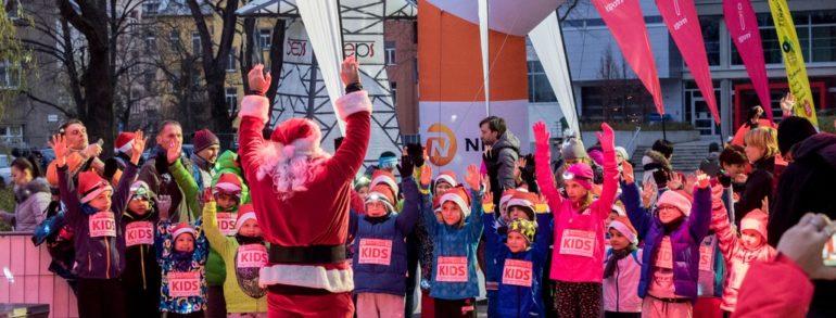 Noční běžecký závod opět po roce rozzáří centrum předvánoční Olomouce