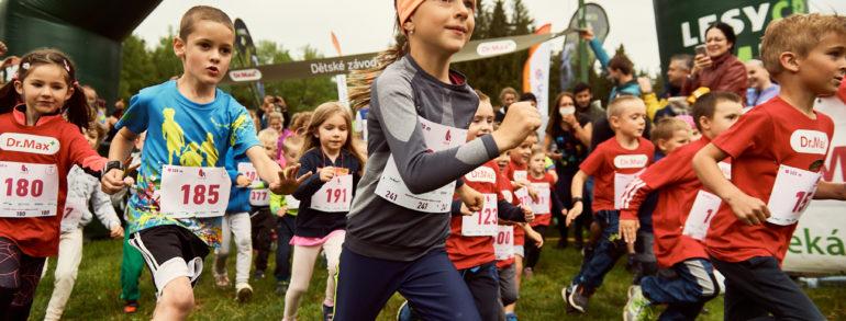 Běžecké Česko se dočkalo, odstartoval první velký závod pro veřejnost, zúčastnilo se ho 1 600 běžců